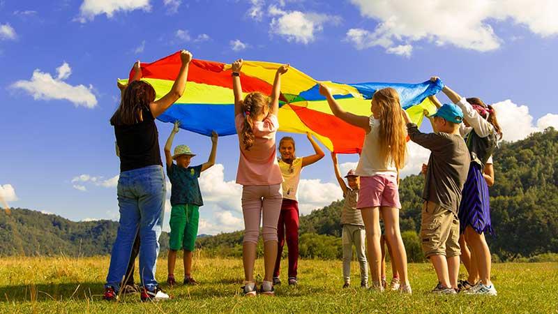 ילדים משחקים - מיומנויות חברתיות