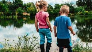 ילדים באגם - טיקים אצל ילדים